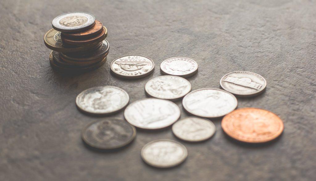 Hoe kun je er modieus uitzien met een beperkt budget?